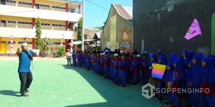 Agustusan, SD Wahdah Adakan Festival Permainan Tradisional